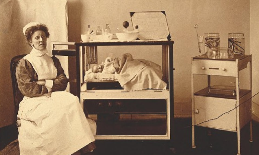 Midwife at another London lying in hospital, 1908